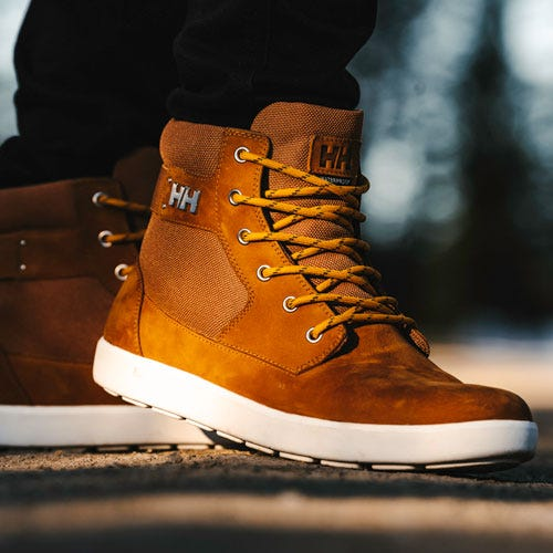 Men's HH boot outdoors